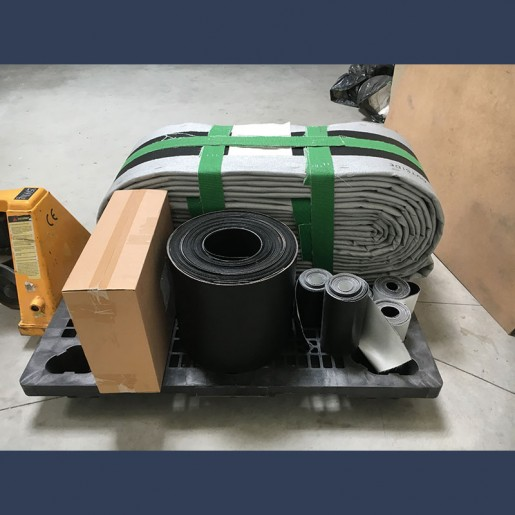 Fabric expansion joint for gas flow pipes - packing before delivery