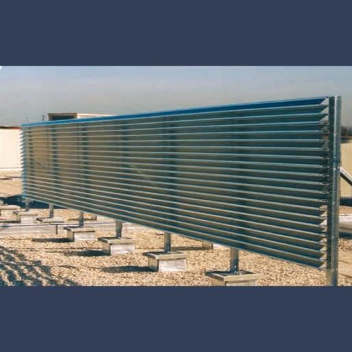 Ecran pare-vue en toiture constitué de lames filantes galvanisées