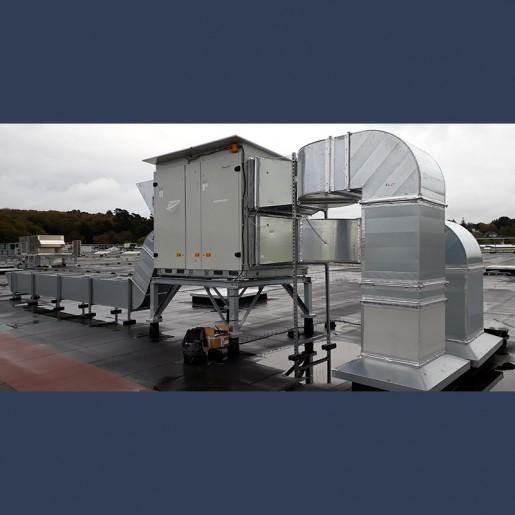 Réseau de gaines de ventilation en toiture