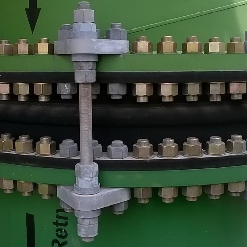 Compensateur de dilalation en caoutchouc à brides, pour systèmes de tuyauteries industrielles - in situ