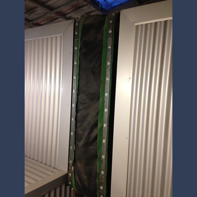 Rectangular fabric expansion joint belt type with bolster - in situ