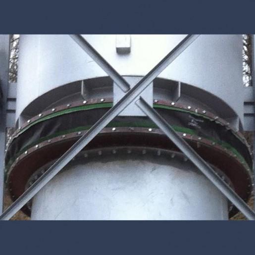 Compensateur de dilatation en tissu avec isolant pour cheminée