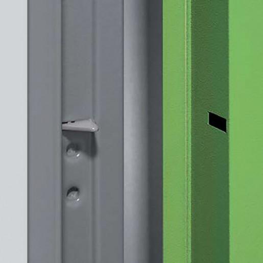 Détail points de sécurité sur porte métallique polyvalente standard